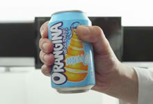 La canette anti-foot - Orangina