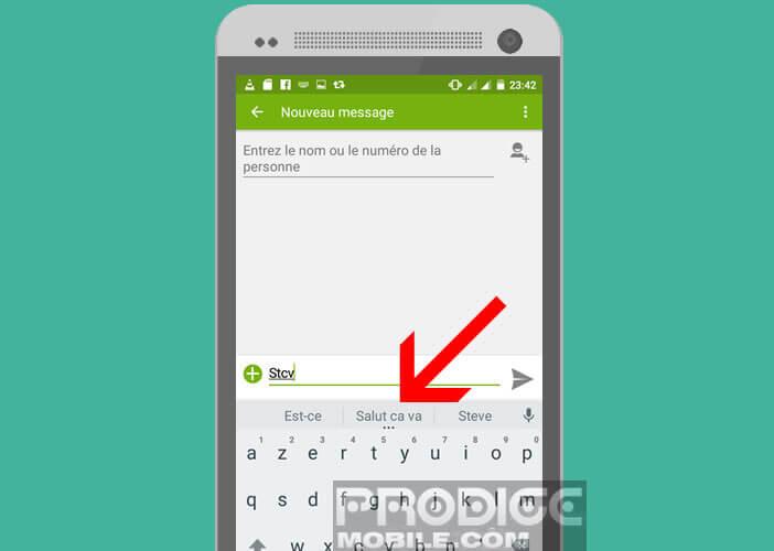 Cliquez sur la suggestion de votre raccourci pour l'afficher dans votre texte
