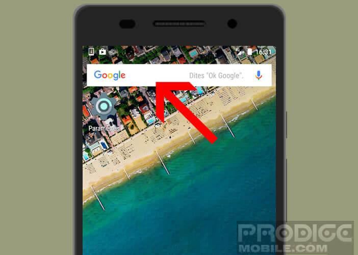 Cliquez sur la barre Google placé en haut de la home page d'Android