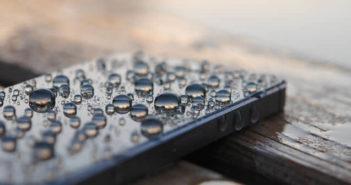 Vérifiez la couleur des capteurs d'humidité de votre iPhone