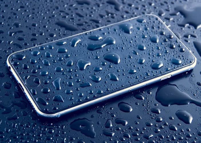 Faire réparer un iPhone ayant été en contact avec de l'eau ou un liquide