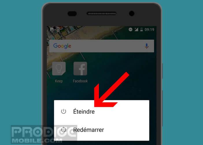 Appuyez sur la touche Power pour arrêter Android