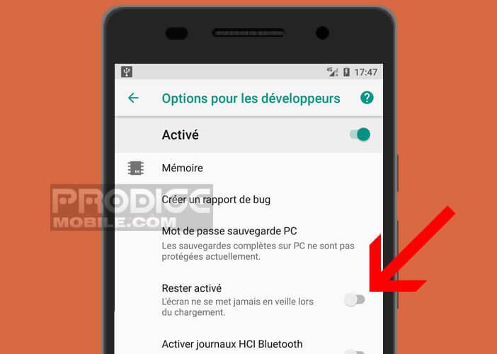 Laisser l'écran allumé lorsque votre smartphone est branché au secteur