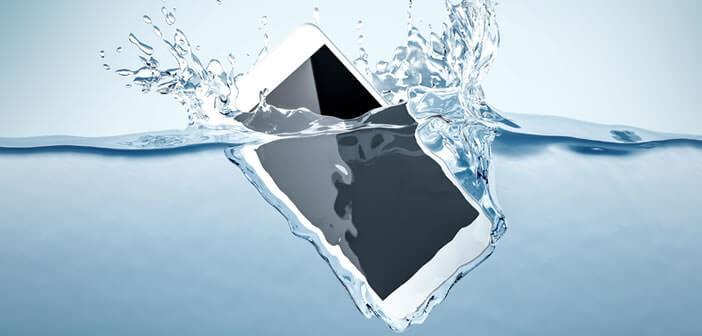 Guide pour sauver un smartphone tombé dans l'eau