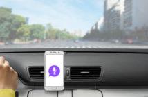 Comment utiliser son smartphone en voiture sans les mains