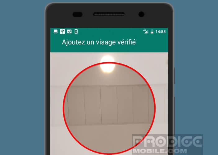 Scanner votre visage pour pouvoir ensuite déverrouiller votre mobile
