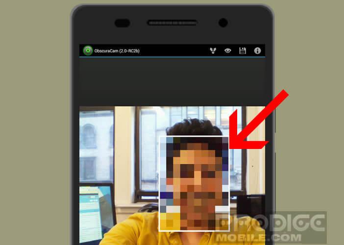 Déplacez le tag pou pixeliser la figure d'un individu sur une image