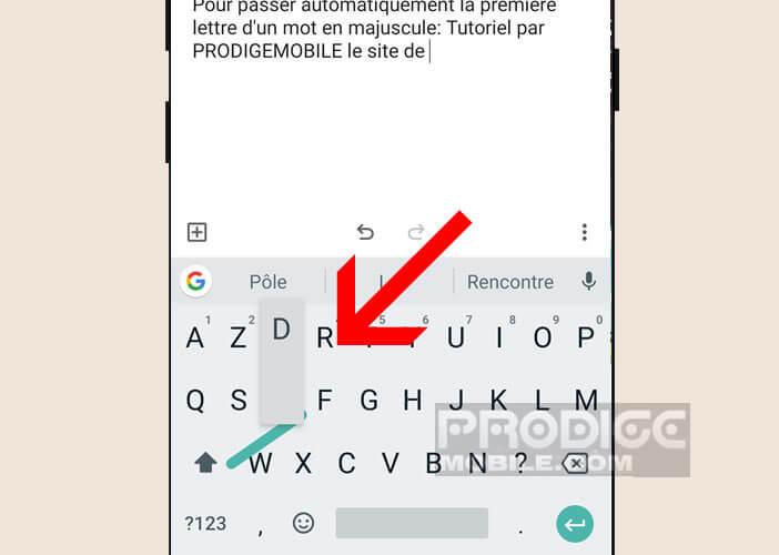 Activer le mode majuscule du clavier Android d'un simple glissé du doigt