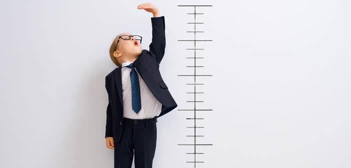 Une astuce pour mesurer la taille d'une personne sans mètre