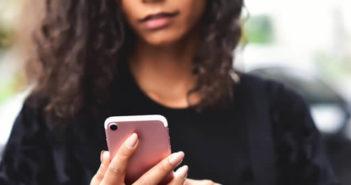 Effacer les photos et les pièces jointes d'une conversation sur iPhone